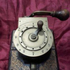 Antigüedades: ANTIGUA PICADORA DE BILLETES DE RENFE. Lote 152202925