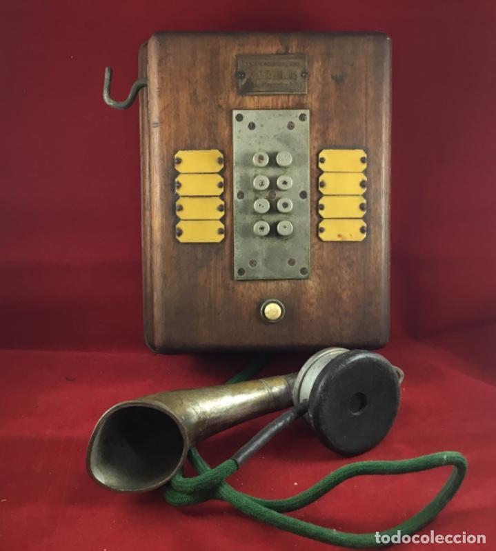 TELÉFONO ANTIGUO DE MADERA, FRANCÉS, INTERCOMUNICADOR CON OCHO PULSADORES. (Antigüedades - Técnicas - Teléfonos Antiguos)