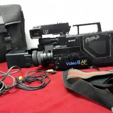 Antigüedades: SONY VIDEO8 AF - MODELO CCD-V8AF / CÁMARA DE VÍDEO. Lote 158015100
