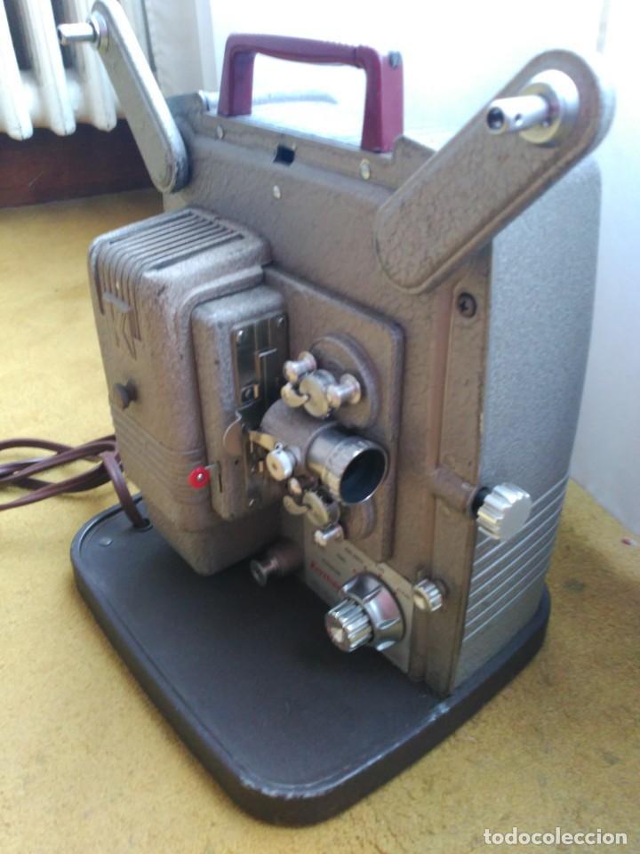 Antigüedades: Proyector 8mm Keyston K100 - Foto 4 - 152455662