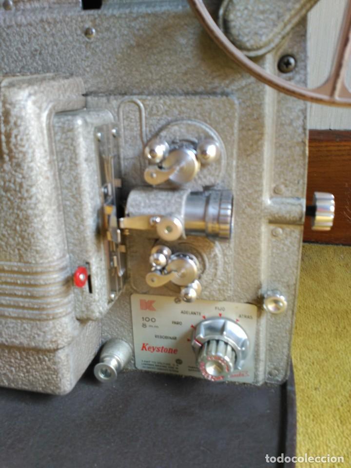 Antigüedades: Proyector 8mm Keyston K100 - Foto 3 - 152455662