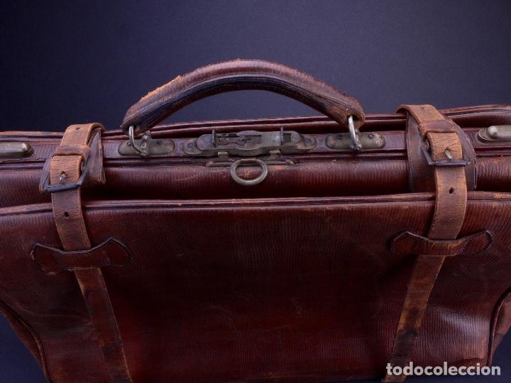 Antigüedades: BOLSO EQUIPAJE DE AFEITADO Y ASEO - Foto 2 - 152468730