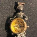 Antigüedades: COLGANTE SELLO LACRE MARINERO PLATA TIMONEL BRUJULA MARINA NAVEGACION CHALECO LEONTINA S XIX 4CMS. Lote 152579314