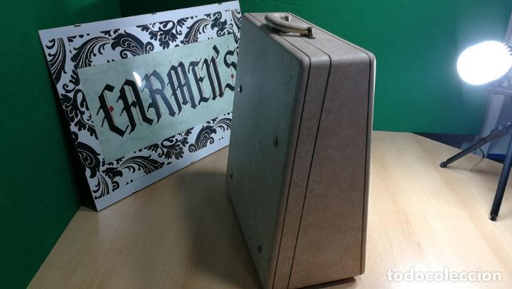 Antigüedades: Maquina de escribir de viaje Olivetti Super Luxe, de gran calidad, muy cuidada - Foto 6 - 152652082