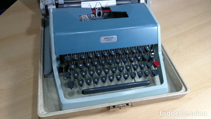 Antigüedades: Maquina de escribir de viaje Olivetti Super Luxe, de gran calidad, muy cuidada - Foto 21 - 152652082