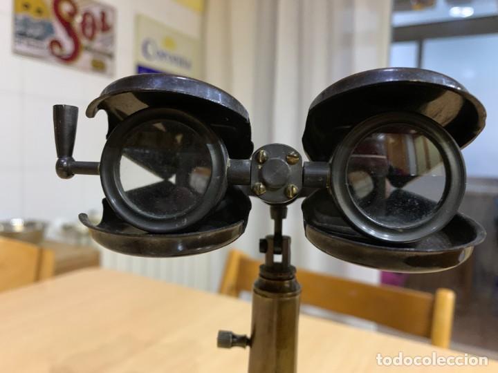 ANTIGUO BINOCULAR NÁUTICO CON SOPORTE DE LATÓN R & J BECK LONDRES 1914 (Antigüedades - Técnicas - Instrumentos Ópticos - Binoculares Antiguos)