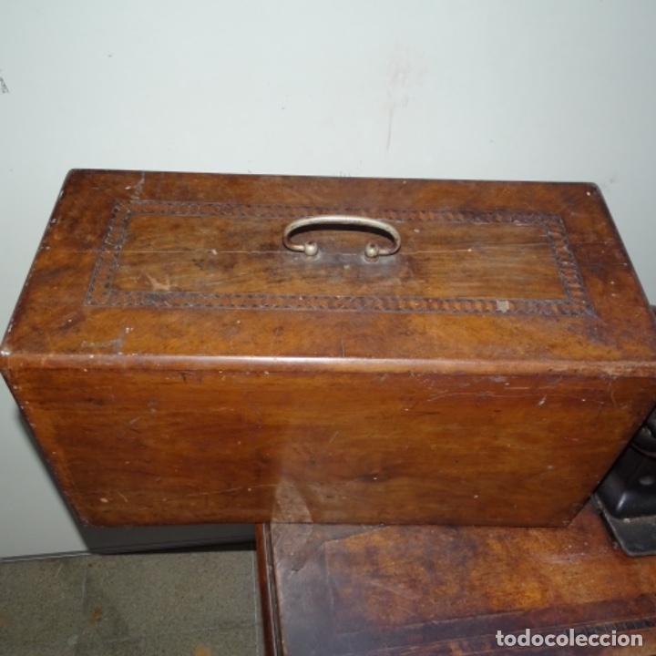 Antigüedades: Antigua máquina de coser Wilson con pie Wertheim. - Foto 9 - 153143666