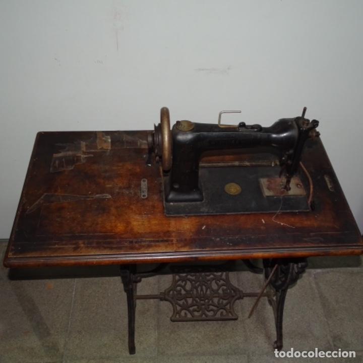 Antigüedades: Antigua máquina de coser Wilson con pie Wertheim. - Foto 10 - 153143666