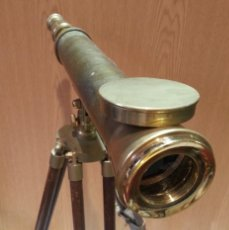 Antigüedades - Catalejo, telescopio naval. Vintage. Años 90. Sobre trípode. Precioso instrumento marítimo. - 153360502