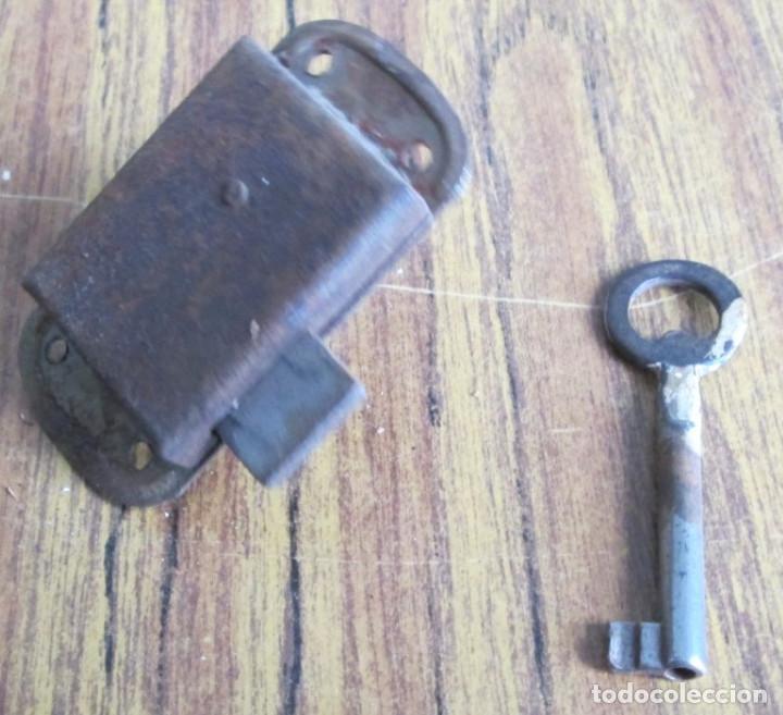 Antigüedades: Cerradura antigua con llave -- Funciona - Foto 3 - 153404078