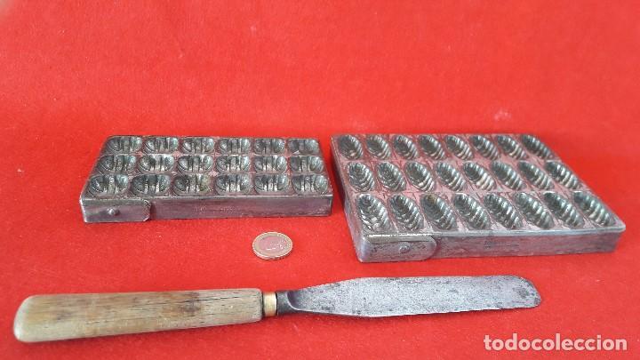 Antigüedades: MOLDE , MOLDES METALICOS PARA HACER BOMBONES DE CHOCOLATE , PASTELERIA - Foto 2 - 153418918