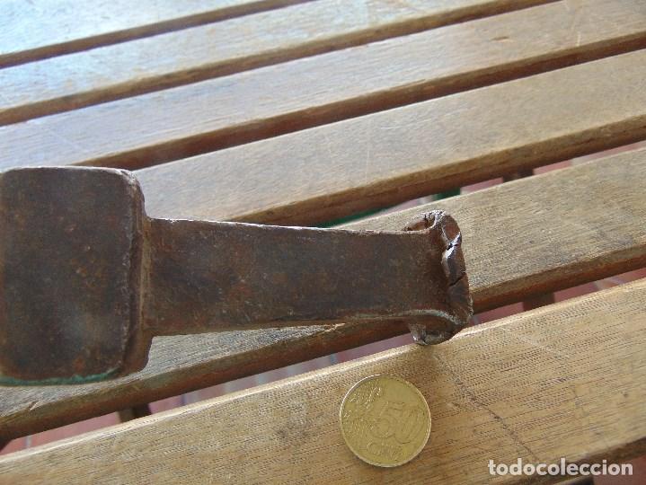 Antigüedades: ANTIGUO YUNQUE ??? TIPO COLA DE PEZ DE FORJA EN HIERRO, DE HOJALATERO O SIMILAR - Foto 9 - 153850034