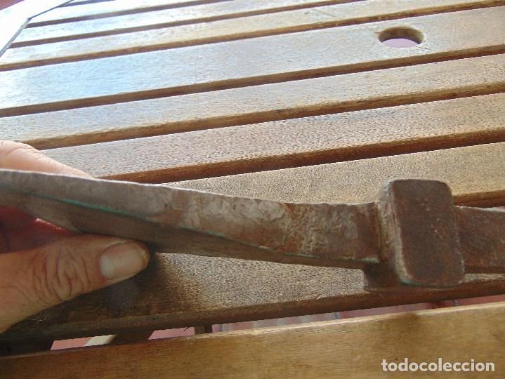 Antigüedades: ANTIGUO YUNQUE ??? TIPO COLA DE PEZ DE FORJA EN HIERRO, DE HOJALATERO O SIMILAR - Foto 10 - 153850034
