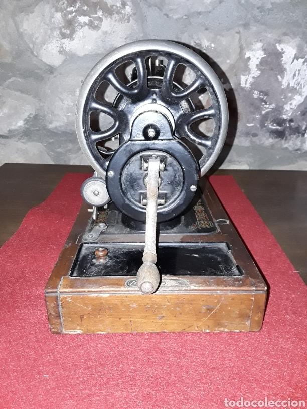 Antigüedades: Maquina de coser manual hexagon - Foto 2 - 153867110