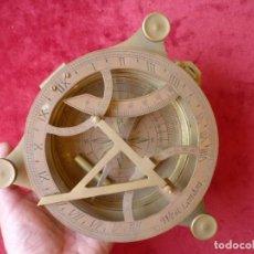 Antigüedades: ENORME SEXTANTE MARINO EN BRONCE, PIEZA DE DECORACIÓN, COLECCIONISMO. Lote 154224362