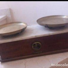 Antigüedades: ANTIGUA BALANZA ARISÓ DE BARCELONA. Lote 154351654