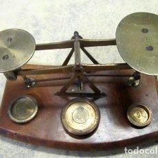 Antigüedades: BALANZA DE PRECISION, ANTIGUA EN LATON . Lote 154380282