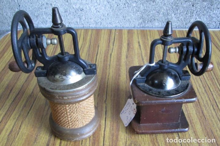 Antigüedades: PAREJA DE MOLINILLOS De madera y metal - Marcaje del redondo PEPPER - Son de adorno - Foto 2 - 154389846
