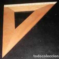 Antigüedades: ESCUADRA DE MADERA, 17 CM., AÑOS 60. Lote 154431262