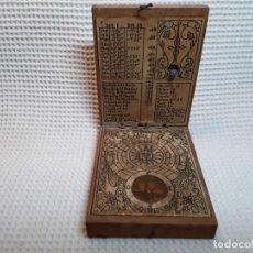 Antigüedades: RELOJ DE SOL CON BRÚJULA Y PLOMADA PRINCIPIOS DEL SIGLO XX. Lote 154562462