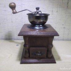 Antigüedades: MOLINILLO MANUAL DE CAFÉ DE MADERA OSCURA Y METAL,VINTAGE. Lote 154673266
