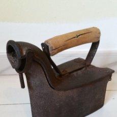 Antigüedades: ANTIGUA PLANCHA DE CARBÓN. Lote 175784703
