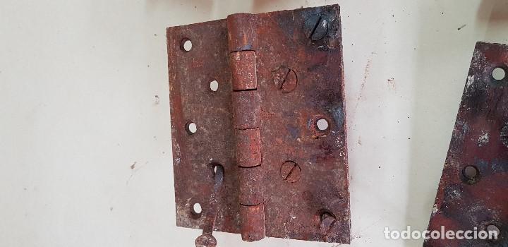 Antigüedades: LOTE DE 6 BISAGRAS DE PORTON 18 X 15 CM - Foto 2 - 154876666