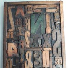 Antigüedades: ANTIGUOS TIPOS DE IMPRENTA ENMARCADOS 49 X 37 CMS. Lote 154890068