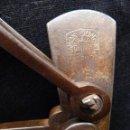 Antigüedades: ANTIGUA BALANZA ROMANA DE 2 GANCHOS. HASTA 60 KG. RAMÓN SONGEL CERRAJEROS, VALENCIA FINALES S. XIX. Lote 154928534
