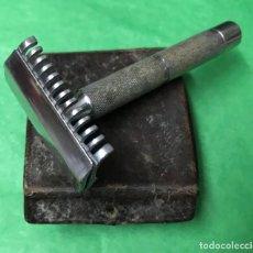 Antigüedades: MAQUINILLA DESMONTABLE DE AFEITAR MARCA BETER. Lote 155027530