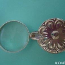 Antigüedades: ANTIGUA LUPA PLEGABLE. LA FUNDA HACE DE MANGO Y ES DE METAL.. Lote 155106222