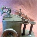 Antigüedades: MAQUINA INDUSTRIAL ANTIGUA DE COSER PIELES, MARCA ALBIN PORKERT . Lote 155117046