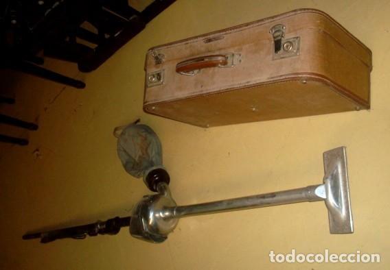 Antigüedades: Aspiradora de los años 40, marca Cadet, en su maleta original - Foto 3 - 155119302