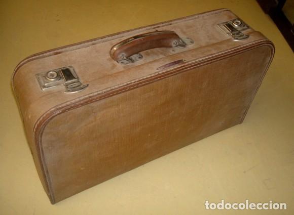 Antigüedades: Aspiradora de los años 40, marca Cadet, en su maleta original - Foto 10 - 155119302