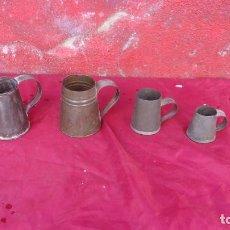 Antigüedades: LOTE 4 MEDIDAS CAPACIDAD,CHAPA,AZUMBRE MEDIDA 2 LITROS. Lote 155159154
