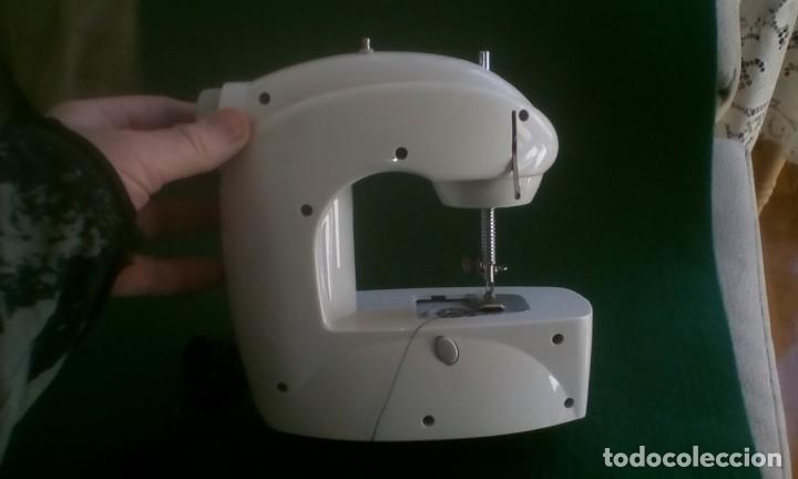 Antigüedades: Maquina de coser eléctrica - Foto 2 - 155203058