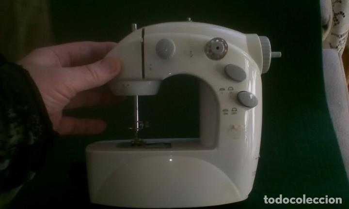 Antigüedades: Maquina de coser eléctrica - Foto 3 - 155203058