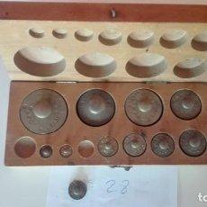 Antigüedades: Nº28 ANTIGUA CAJA CON 11 PESAS EN BRONCE 100% ORIGINAL. Lote 155220462