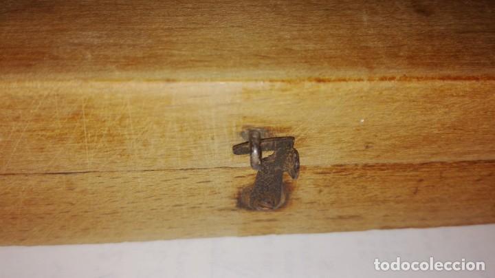 Antigüedades: Nº28 ANTIGUA CAJA CON 11 PESAS EN BRONCE 100% ORIGINAL - Foto 4 - 155220462