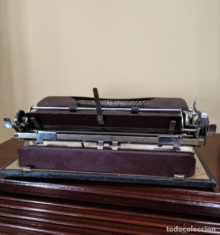 Antigüedades: Máquina de escribir portátil marca Patria. Funcionando. - Foto 6 - 155222490