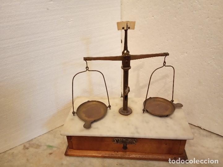 PRECIOSA BALANZA DE FARMACIA O LABORATORIO (Antigüedades - Técnicas - Herramientas Profesionales - Medicina)