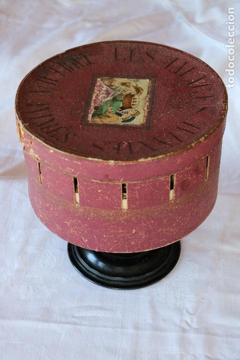 Antigüedades: ZOOTROPO – ZOETROPE - LES IMAGES VIVANTES TABLEAUX ANIMES - PARIS SEGUNDA MITAD SIGLO XIX - Foto 2 - 53390063
