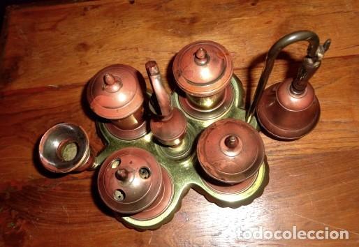 Antigüedades: Escribania de bronce con palmatoria y campanilla - Foto 2 - 155497438