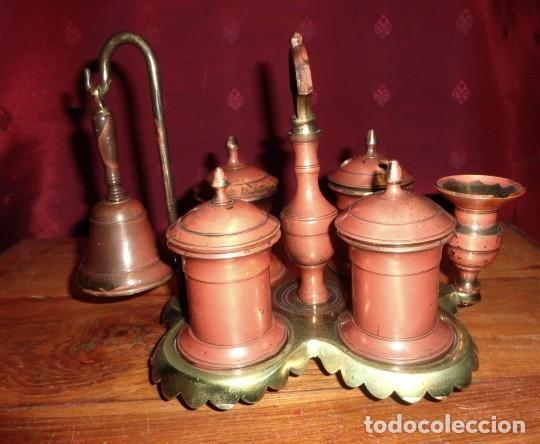 Antigüedades: Escribania de bronce con palmatoria y campanilla - Foto 5 - 155497438