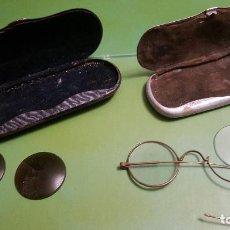 Antigüedades: LOTE GAFAS TIPO QUEVEDO CON SU FUNDA - CRISTALES DE SOL - COTTET. Lote 155609898