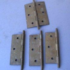 Antigüedades: LOTE 4 BISAGRAS DE LATON, PLACA 7,8X6CM ABIERTO, 10CM APROX TOTAL, GROSOR 1MM APROX. Lote 155639790