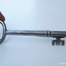 Antigüedades: M23.- ANTIGUA Y RARA LLAVE DE FORJA. Lote 155641022