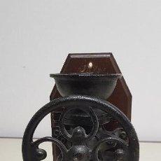 Antigüedades: 319- ANTIGUO MOLINILLO DE CAFE FUNCIONANDO 25 CMS ALTURA. Lote 172699134