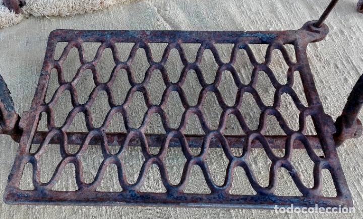Antigüedades: patas de hierro fundido, maquina de coser singer, ideal para mesa, sin defectos - Foto 6 - 159441614