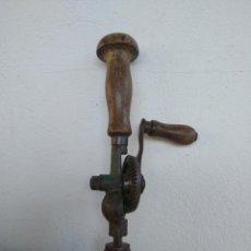 Antigüedades: BERBIQUI O TALADRO ANTIGUO. Lote 155831794